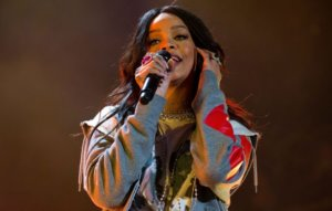 """Rihanna promises her new album will be """"worth the wait"""""""