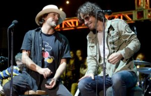 """Eddie Vedder opens up on the loss of Chris Cornell: """"I still haven't quite dealt with it"""""""