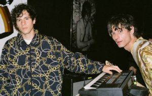 """Oberhofer on working with The Strokes' Nick Valensi on new single 'SUNSHiiNE': """"It's such a moment"""""""