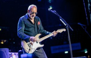 Forget Pete Townshend's bog-standard gaff: rock stars' homes should be totally outrageous